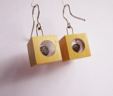 earrings Piquia Amarello with Zebra Shells