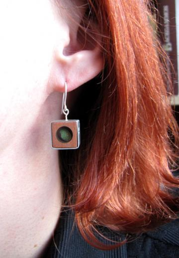 Earrings Silver, Pink Ivory wood and Emerald Nerite : $69