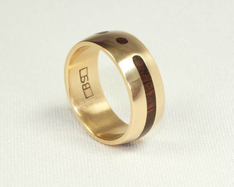Item No 141 Ring Solid Gold With Inlaid Snake Wood
