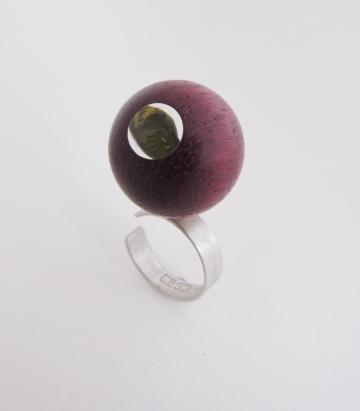 Contemporary Ring Purpleheart Sphere with Emerald Nerite magnified
