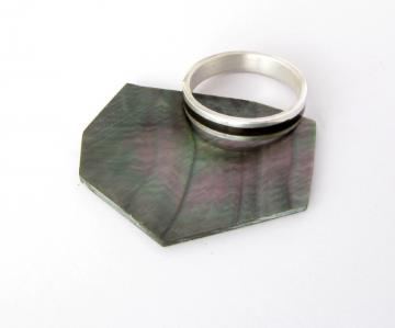 Wedding Ring Silver with Black mother Pearl