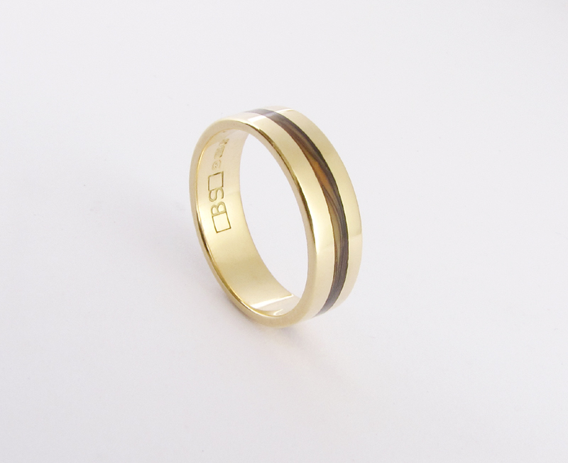 Wedding Ring 18ct yellow gold with Paua Shell inlay